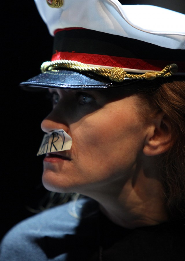 Dina Kabele als als Zweiter Polizist