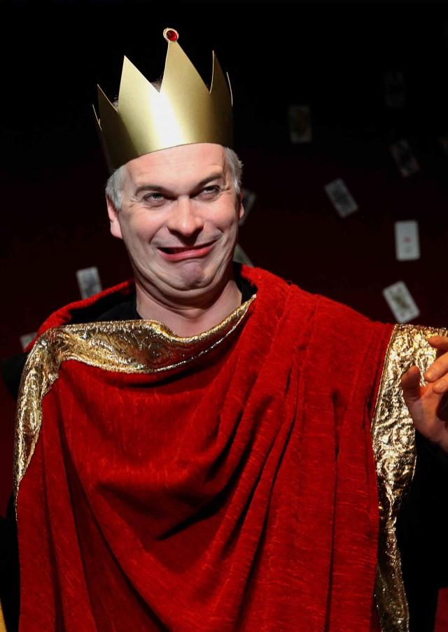 Michael Schefts als König Peter