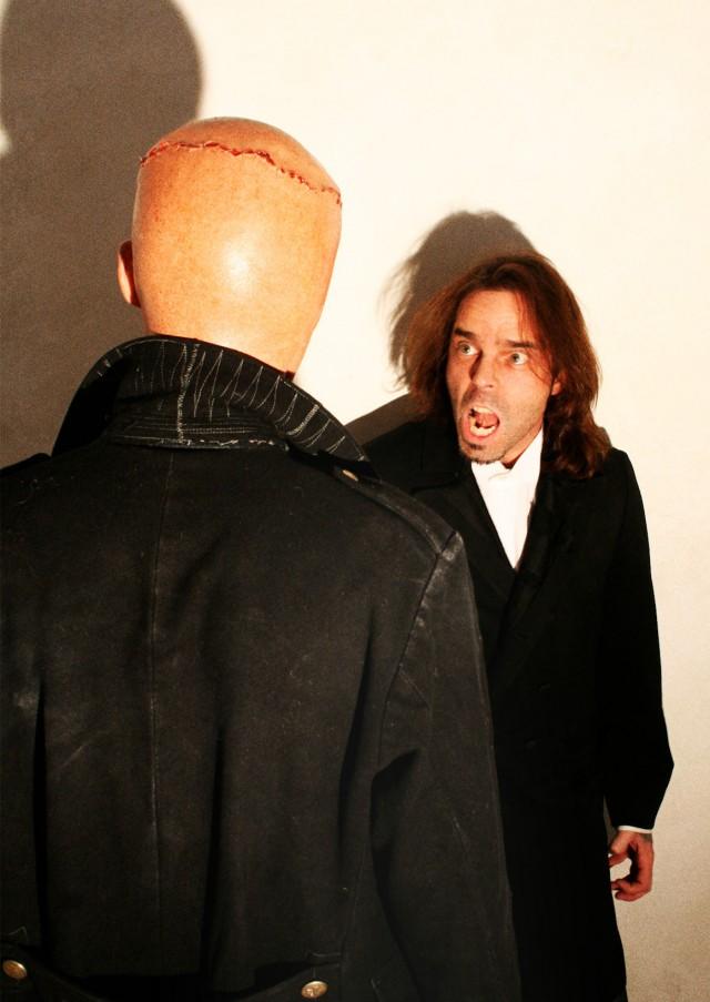 Michael Schuberth als Das Wesen & Nicho Harras als Victor Frankenstein