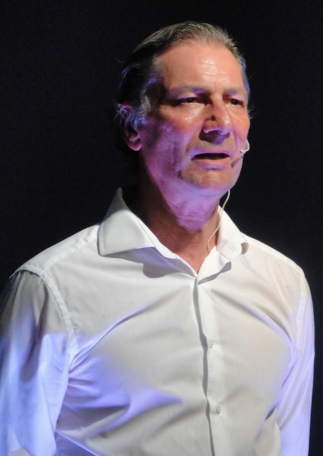 Rudi Larsen als Bogner